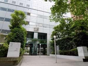 新宿ワシントンホテル新館 コチラからお越し下さい!!新館入り口♪