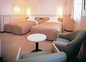 ホテルアルカトーレ六本木 セミダブルベッドで快適なお時間を…