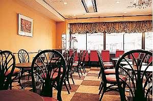 サクラ・フルール青山 カフェ・メリーココ。ご朝食やランチ、ご夕食をどうぞ。